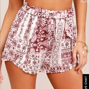 NWOT LuLus Still Life Red Print Shorts size M